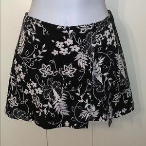 Boston Proper white & black floral skort
